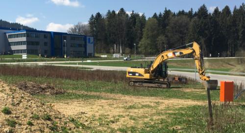 20180418 Gundstück unbebaut zu Linhardt mit Bagger